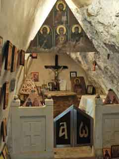 the-st.-antonios-chapel-in-a-cave-thumb