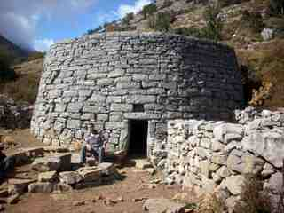 1-the-traditional-shepards-domicile-on-the-cretan-mountains-thumb
